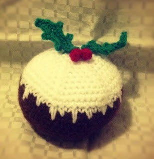 http://translate.google.es/translate?hl=es&sl=en&tl=es&u=http%3A%2F%2Fkimurakraft.blogspot.co.uk%2F2012%2F12%2Ffree-christmas-pudding-crochet-pattern.html