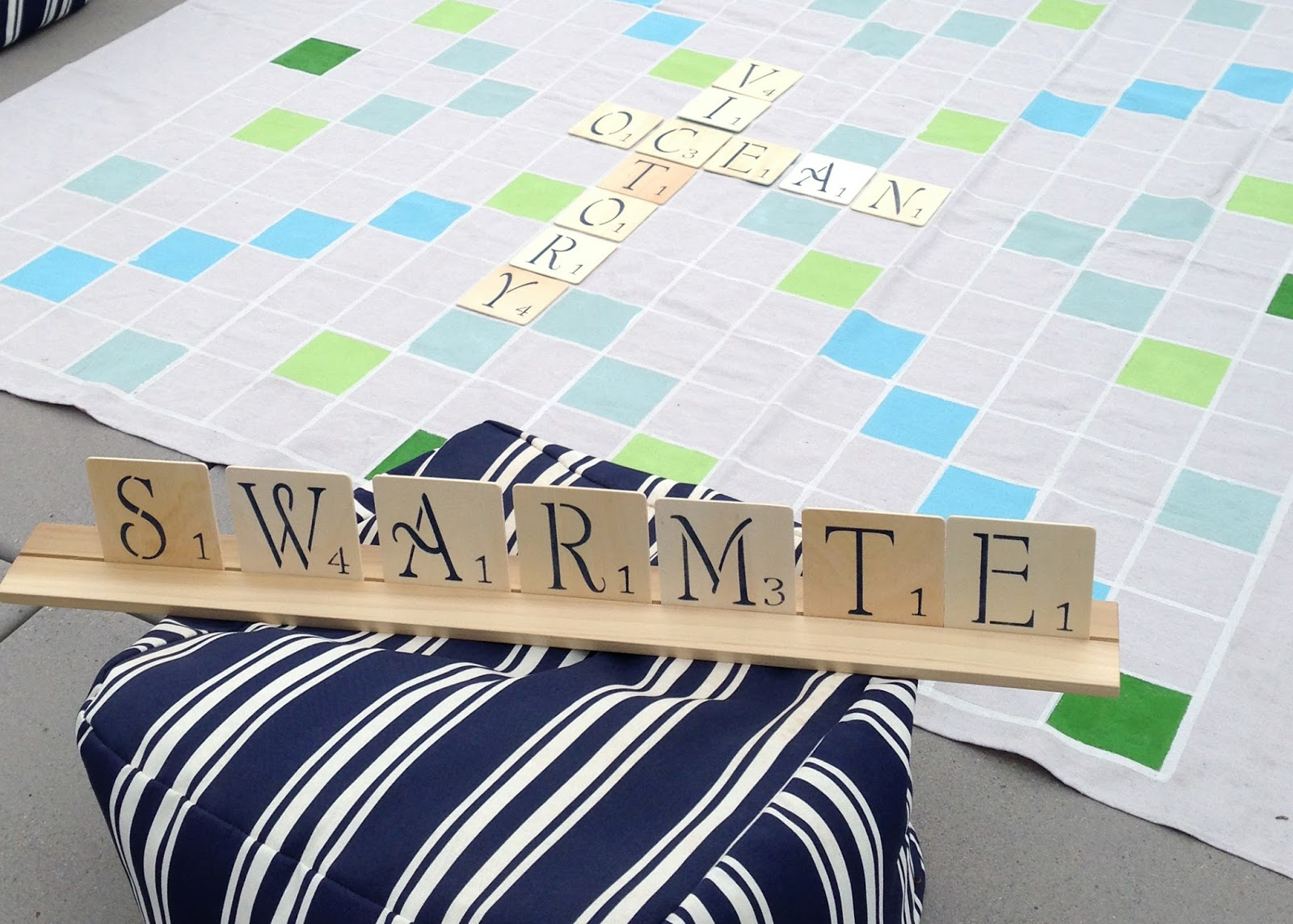how to make a backyard scrabble game
