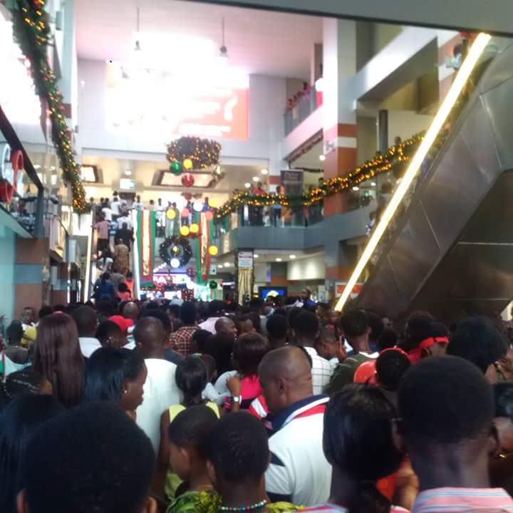 Recession In Nigeria? - Checkout Overcrowded Port Harcourt Mall On Christmas Day