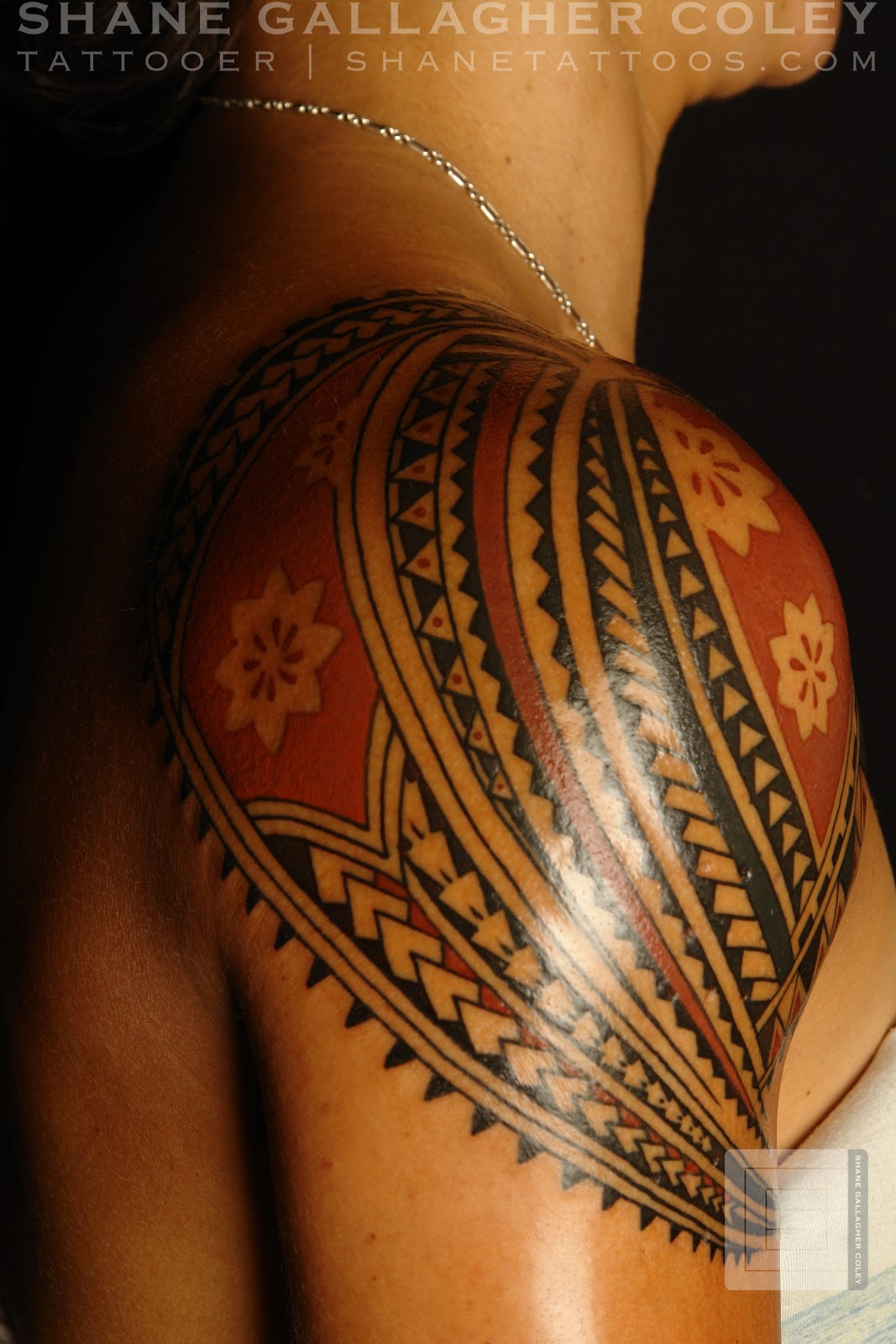 SHANE TATTOOS: Polynesian Shoulder Tattoo