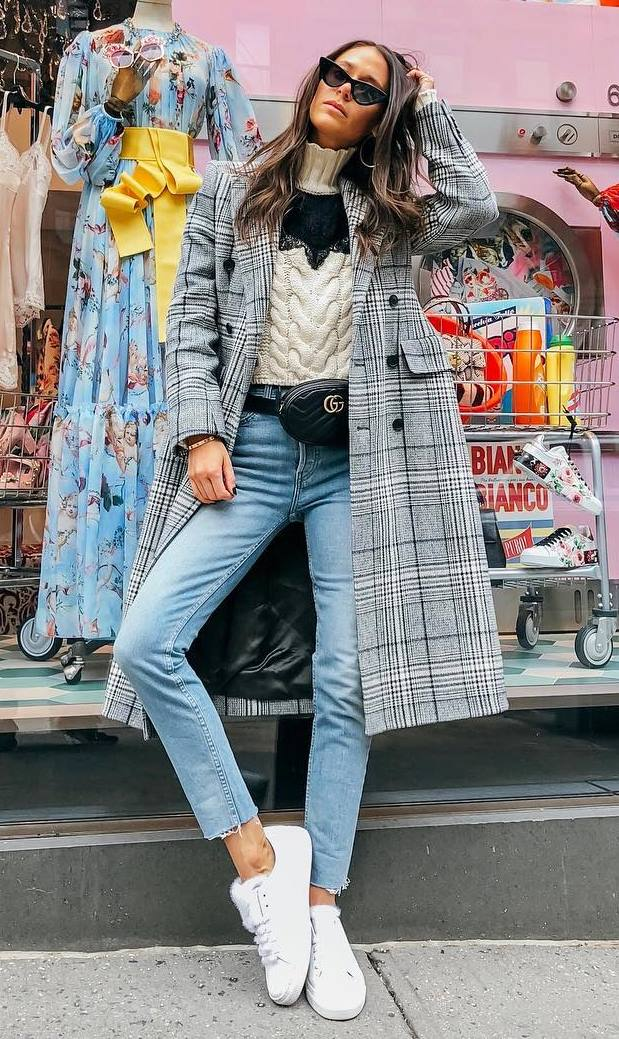 casual outfit inspiration / plaid coat + knit sweater + black waist bag + jeans + sneakers