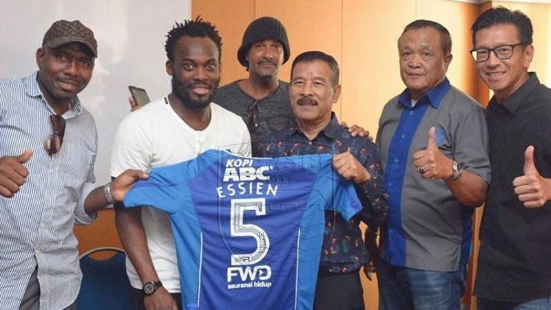 Michael Essien resmi bergabung dengan Persib Bandung