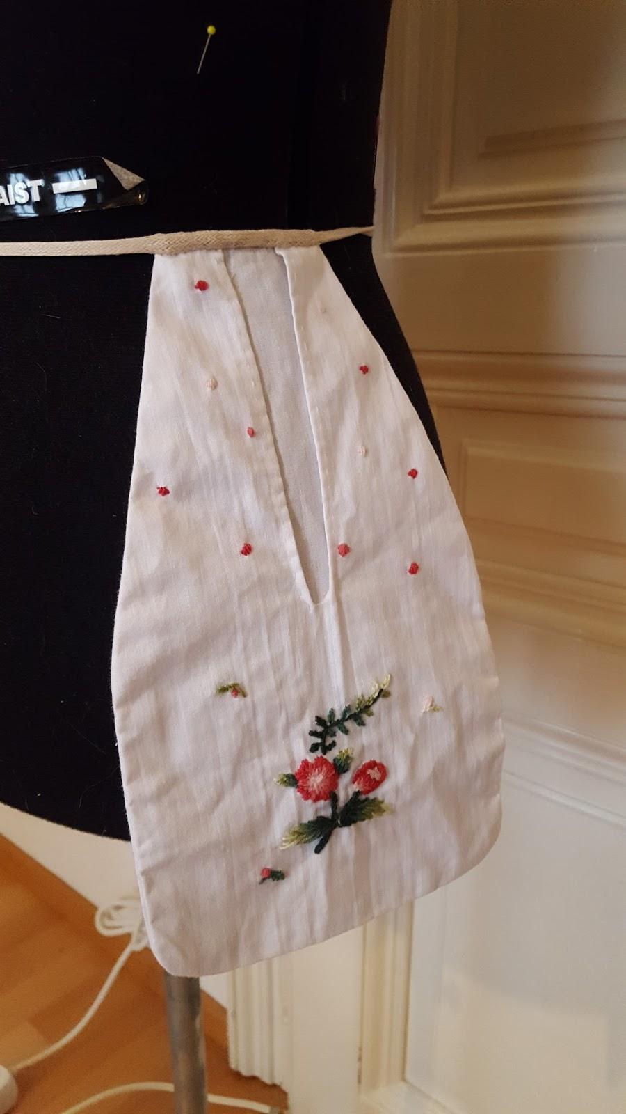 18th century costumes under skirt Pocket 18th century hanging pockets rococo
