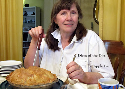 Divasofthedirt,Glinda with apple pie