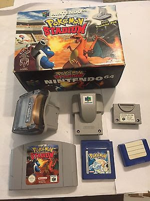 Caja, cartucho, expansion pak, cartucho de GameBoy color, todos complementos para jugar el pokemon Stadium