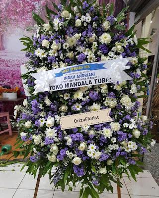 krans bunga surabaya, buket bunga online surabaya, bunga meja murah surabaya