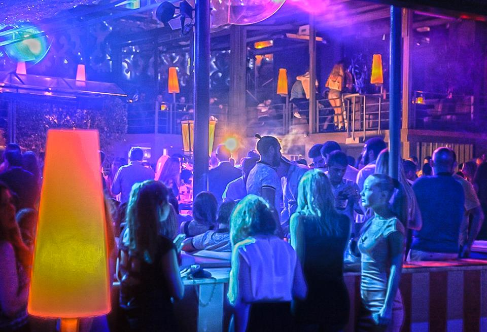 Going out in Istanbul to Enjoy Music, Dance, and Nightlife