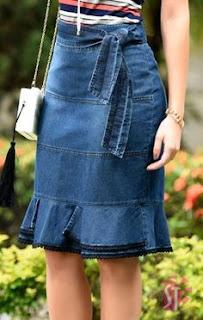O jeans é um tecido que nunca sai de moda, pode entrar a tendência que entrar o jeans sempre vai ficará em alta. O jeans  é uma peça que tem lugar garantido no nosso armário. Ele é ótimo para sair para a escola, passear, trabalho, viagem, o jeans garante uma produção elegante para qualquer idade, e o melhor é que ele combina com qualquer roupa.