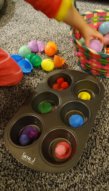 Simple number & color sorting practice with Easter eggs.  Also, great fine motor practice for toddlers and preschoolers!