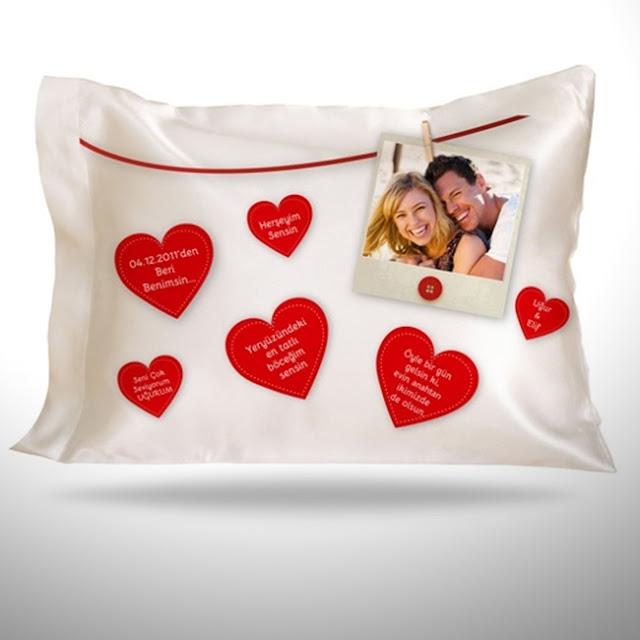 Sevgiliye Özel Mesajlı Kalpler Yastık