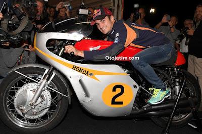 Honda sebagai kampiun dari semua lima kelas (50cc, 125cc, 250cc, 350cc, dan 500cc)
