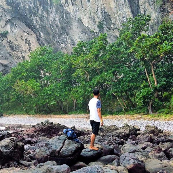 Bibir Pantai di Pantai Pamuran Kebumen - Mengintip Surga Kecil Di Tebing Karangbolong + Harga Tiket RUte Perjalanan Dan Fasilitas