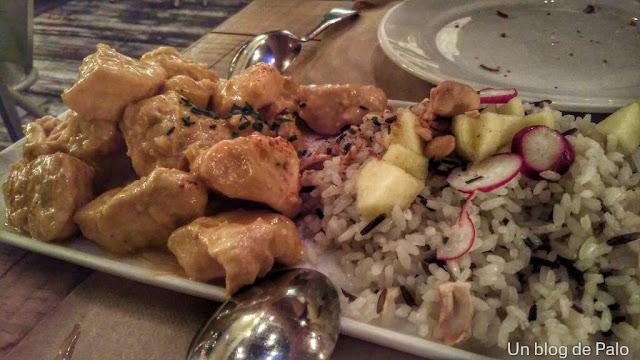 Restaurante Saporem en Madrid pollo con curry