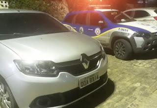 Motorista é preso com carro roubado