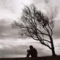 Resultado de imagen de fotos blanco y negro anciano triste