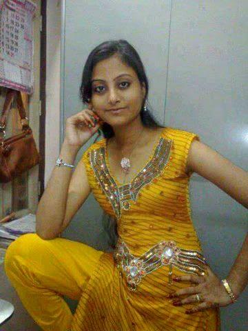 Smart boobs of indian wife doing blowjob to her husbund hotcamgirlsin 7