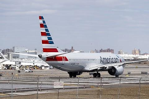 Mintegy húsz százalékkal csökkent a Boeing üzemi eredménye az első negyedévben