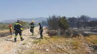 Požar Dubrova izmedju Pučišća i Pražnica slike otok Brač Online
