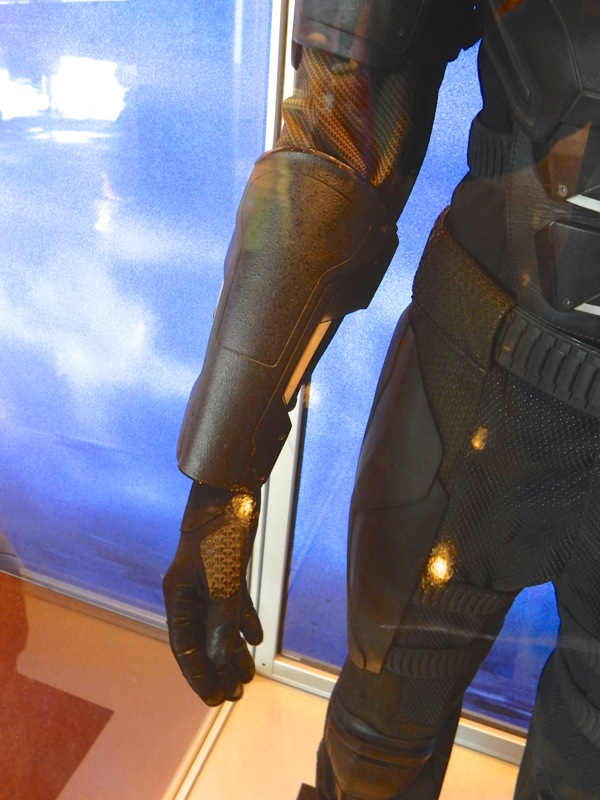 XMen Apocalypse Cyclops arm guard glove detail