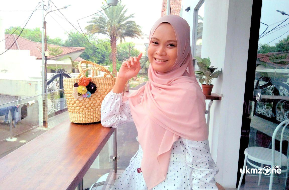 "Dyah Septya pemilik usaha ""D'C&C Craft"" UKM IKM dari kota Semarang Jawa Tengah | UKM Zone"
