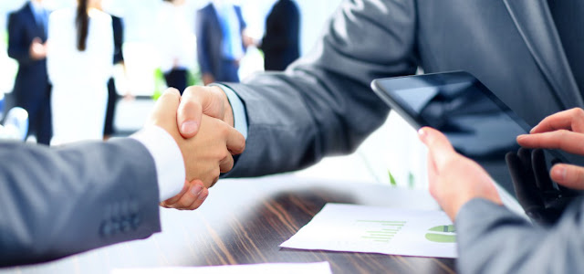 Contratos y abogados