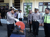 Polres Situbondo Musnahkan Kanlpot Brong
