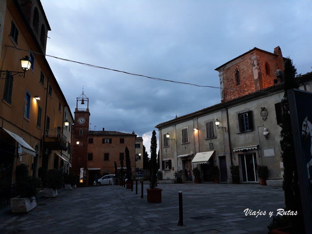 Torre Cívica de la Piazza Vittorio Veneto de Lajatico