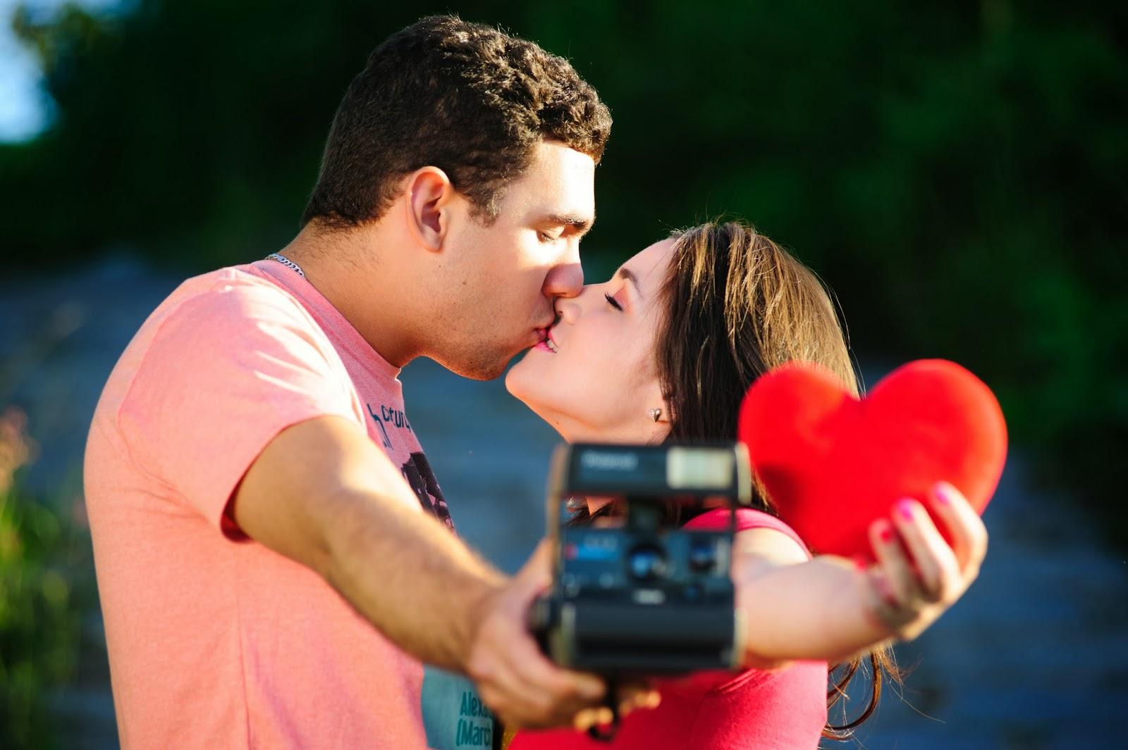 esession-casal-fotografos-coracao-camera