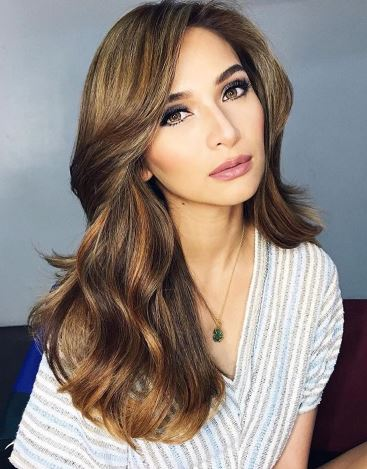 PABONGGAHAN: Liza Soberano at Jennylyn Mercado Nakitang Pareho Ng Suot. Sino Kaya Ang Mas Bongga?