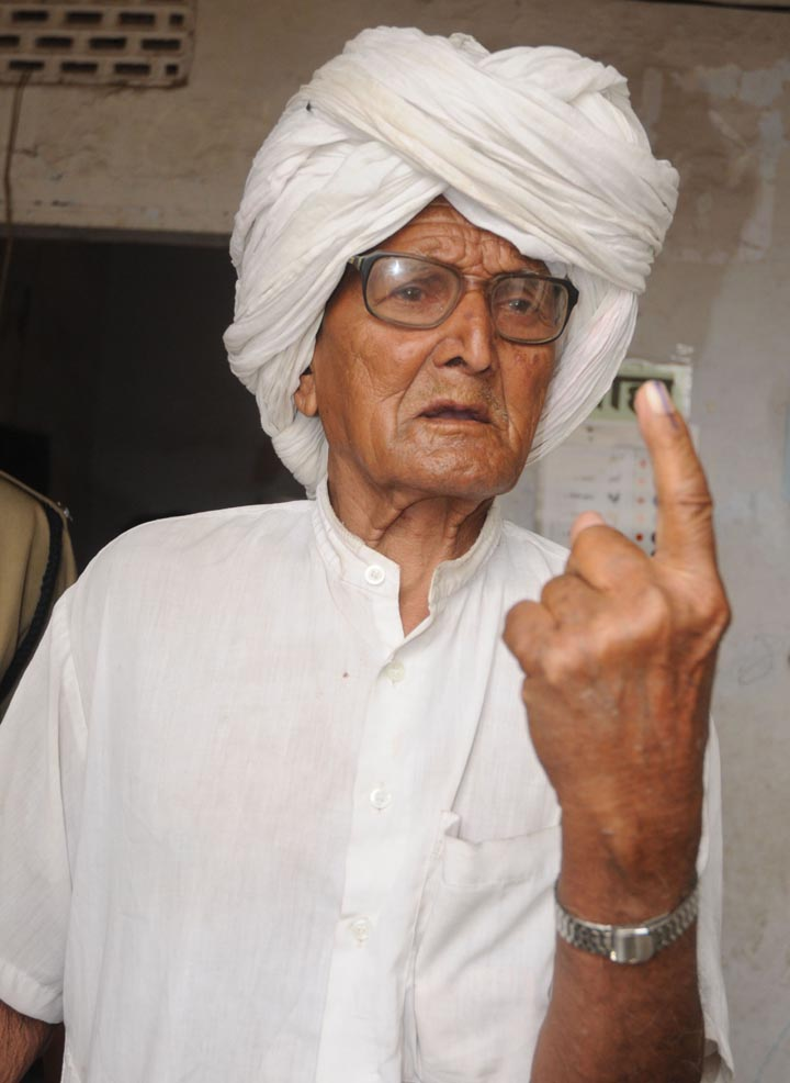 election-vote-old-man