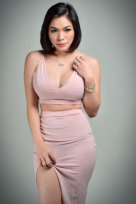 Hot and sexy photos of beautiful pinay hottie chick freelance model carshow babe Elaign Mendoza photo highlights on Pinays Finest Sexy Photo Collection site.