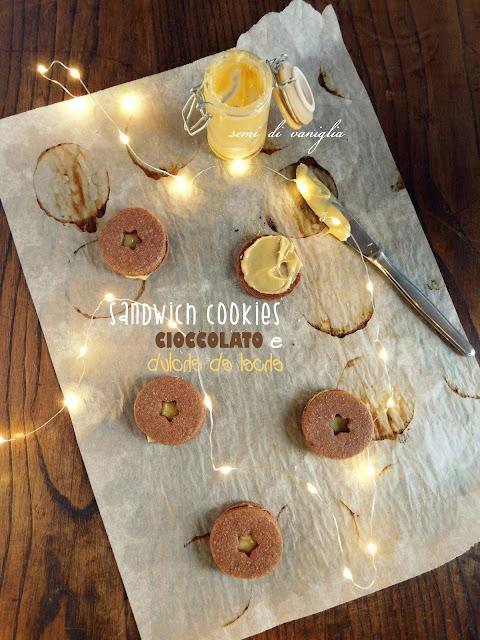 Sandwich cookies al cioccolato e dulce de leche