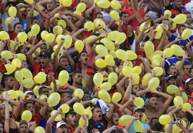 http://www.blogdofelipeandrade.com.br/2016/02/ouca-os-gols-da-vitoria-do-sport-sobre_22.html