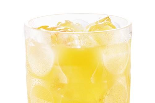 Quer emagrecer? Pode beber suco de laranja