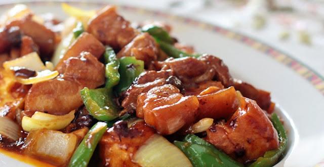 Tofu Con Carne De Cerdo En Salsa