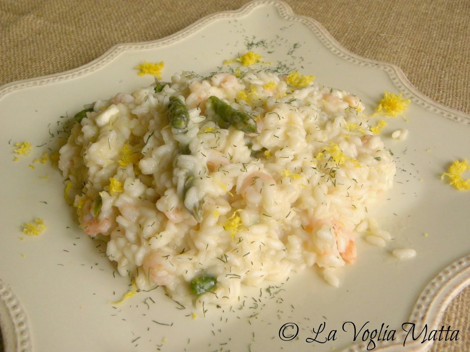 risotto con gamberetti, asparagi e feta