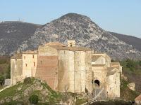 http://www.themarcheexperience.com/2015/10/dal-castello-di-precicchie-all-eremo.html