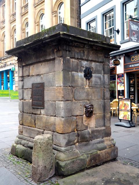 High Street Wellhead, Royal Mile, Edinburgh