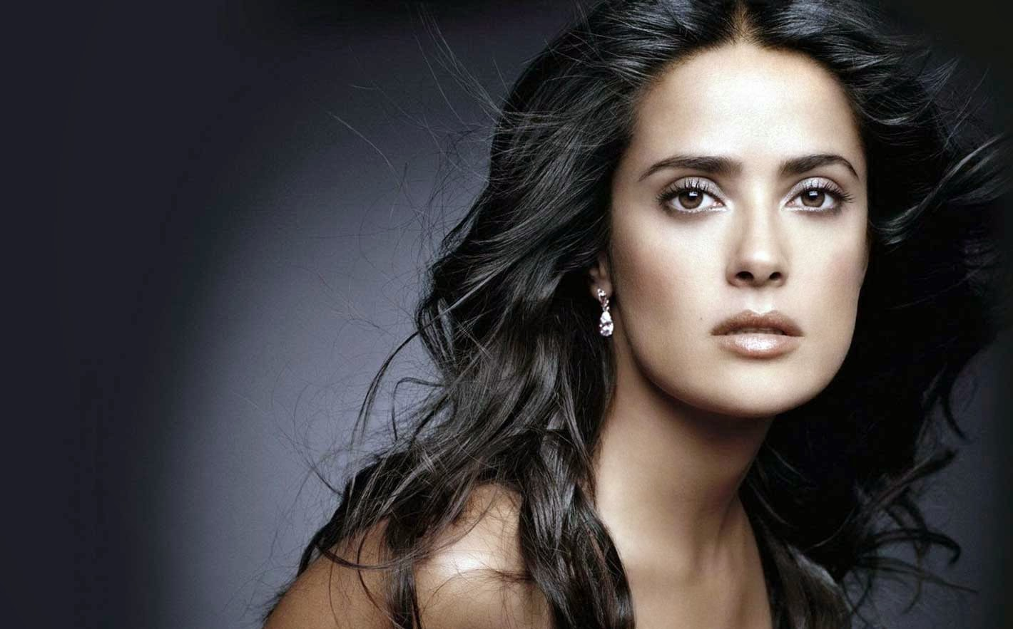 Salma Hayek Close Photoshoot Wallpaper
