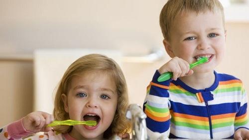 Cara Memutihkan Gigi Secara Alami Pake Strawbery Dan Kulit Jeruk