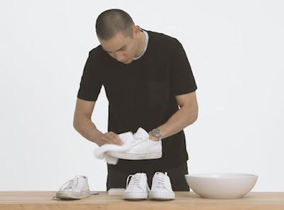 vệ sinh giày trắng
