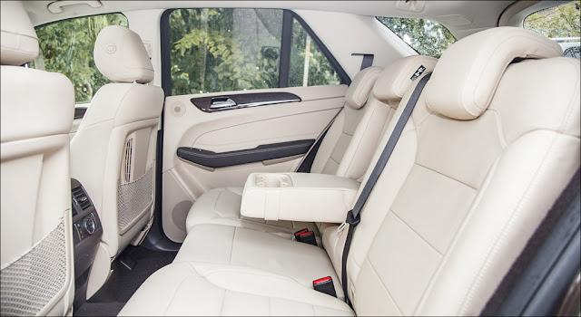 Băng sau Mercedes GLE 400 4MATIC Exclusive 2019 thiết kế rộng rãi,thoải mái và ngả ra sau được