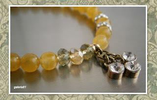 bransoletka na gumce, żółte jadeity, kryształki Swarovskiego i cyrkonie