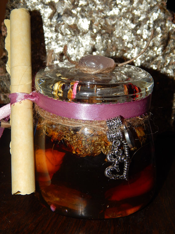 The Paranormal Dimension: A Honey Jar Spell to Sweeten Your Relationship