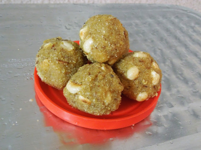 Wheat Rava Laddu