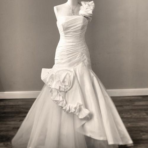 4 Vintage Designer Wedding Dresses