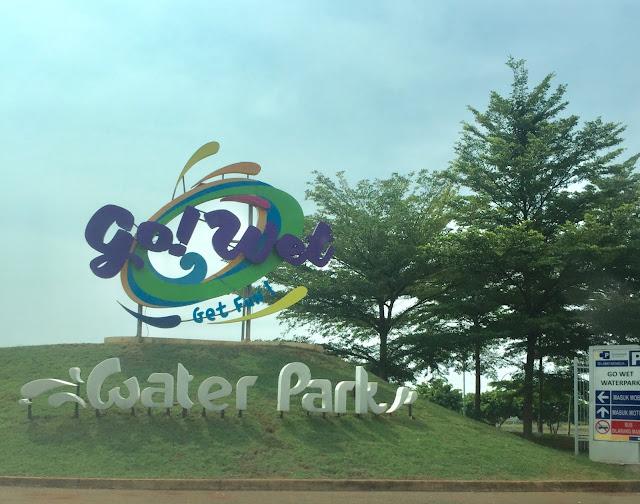 sinarmas land go wet waterpark grand wisata bekasi 2