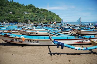 Wisata Pantai Baron - Yogyakarta