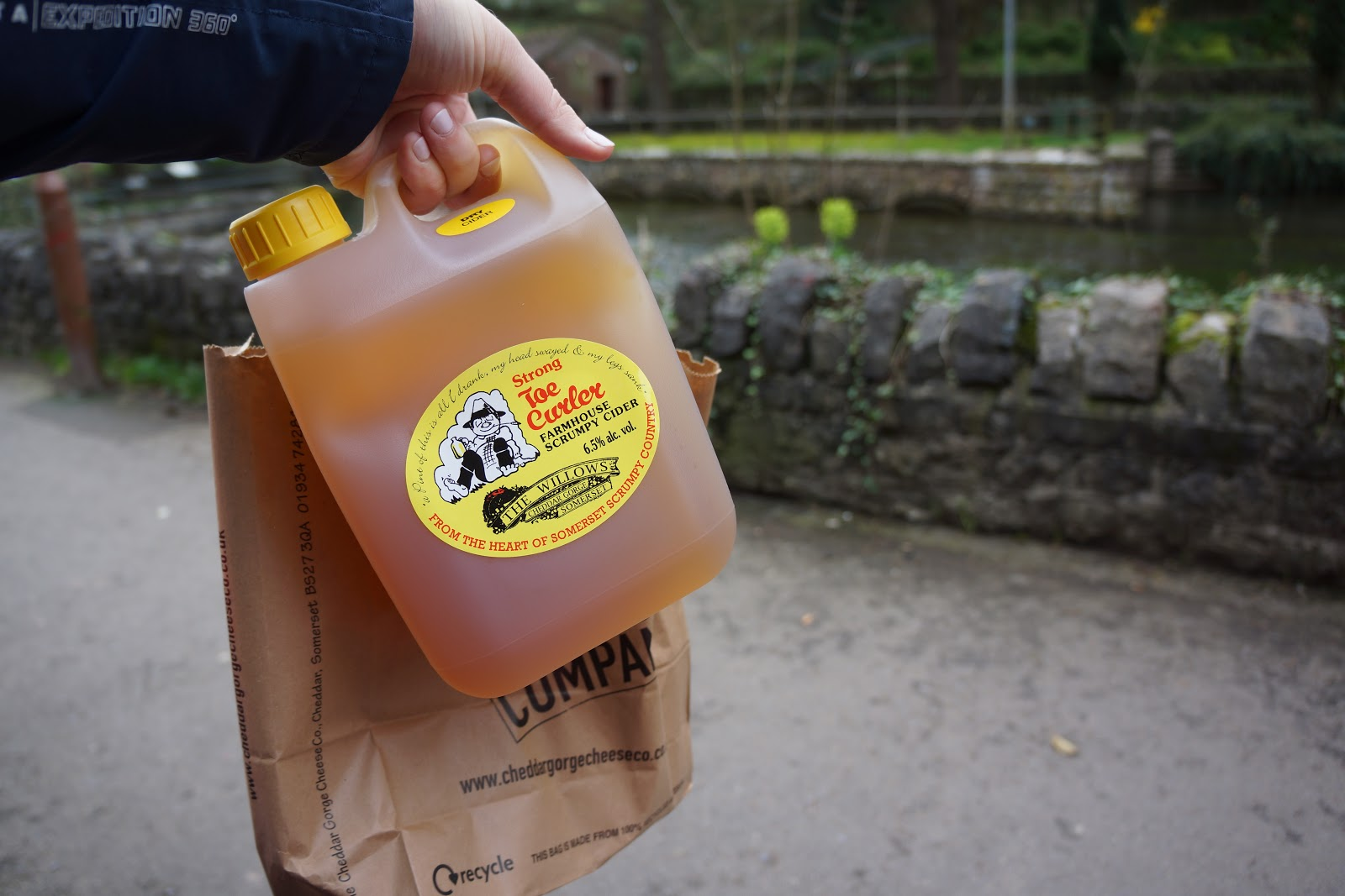 a canister of somerset scrumpy cider