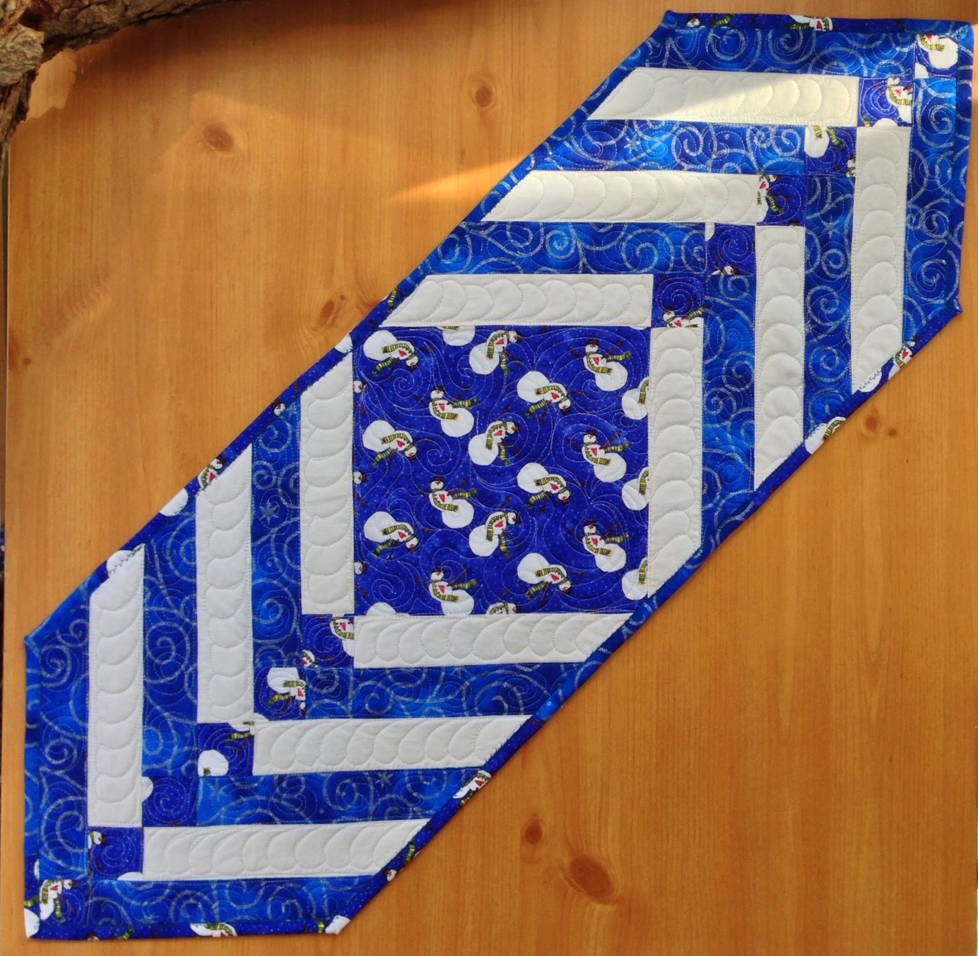 Quilted Fabric Art Free Fat Quarter Table Runner Pattern